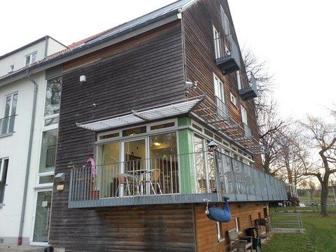 schnappshof 3 theatervolk. Black Bedroom Furniture Sets. Home Design Ideas